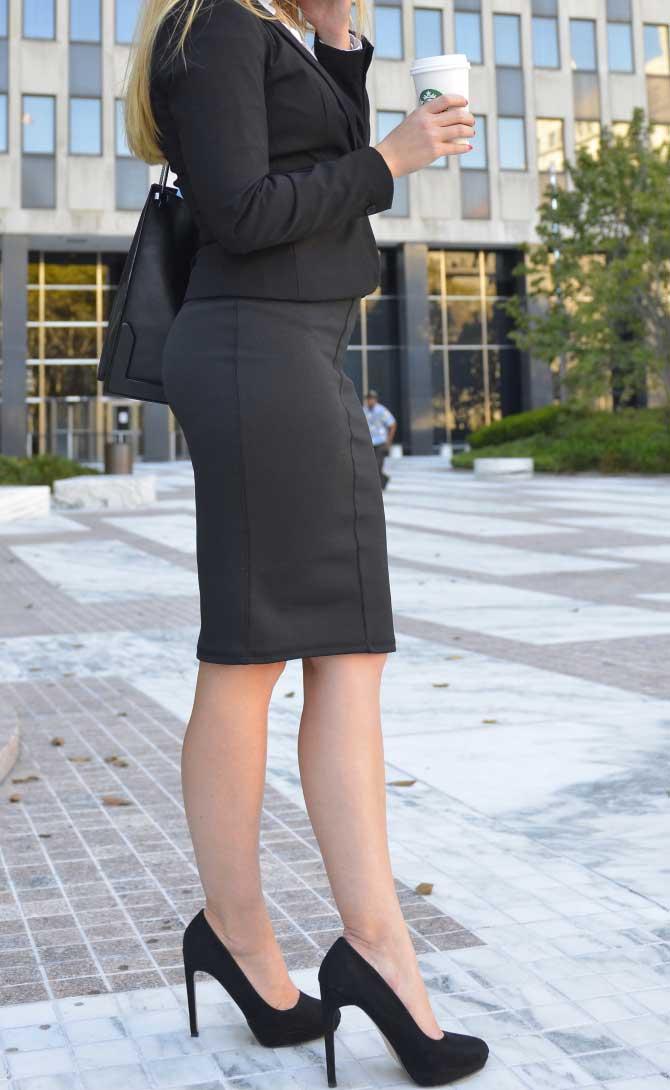 スカートスーツの画像